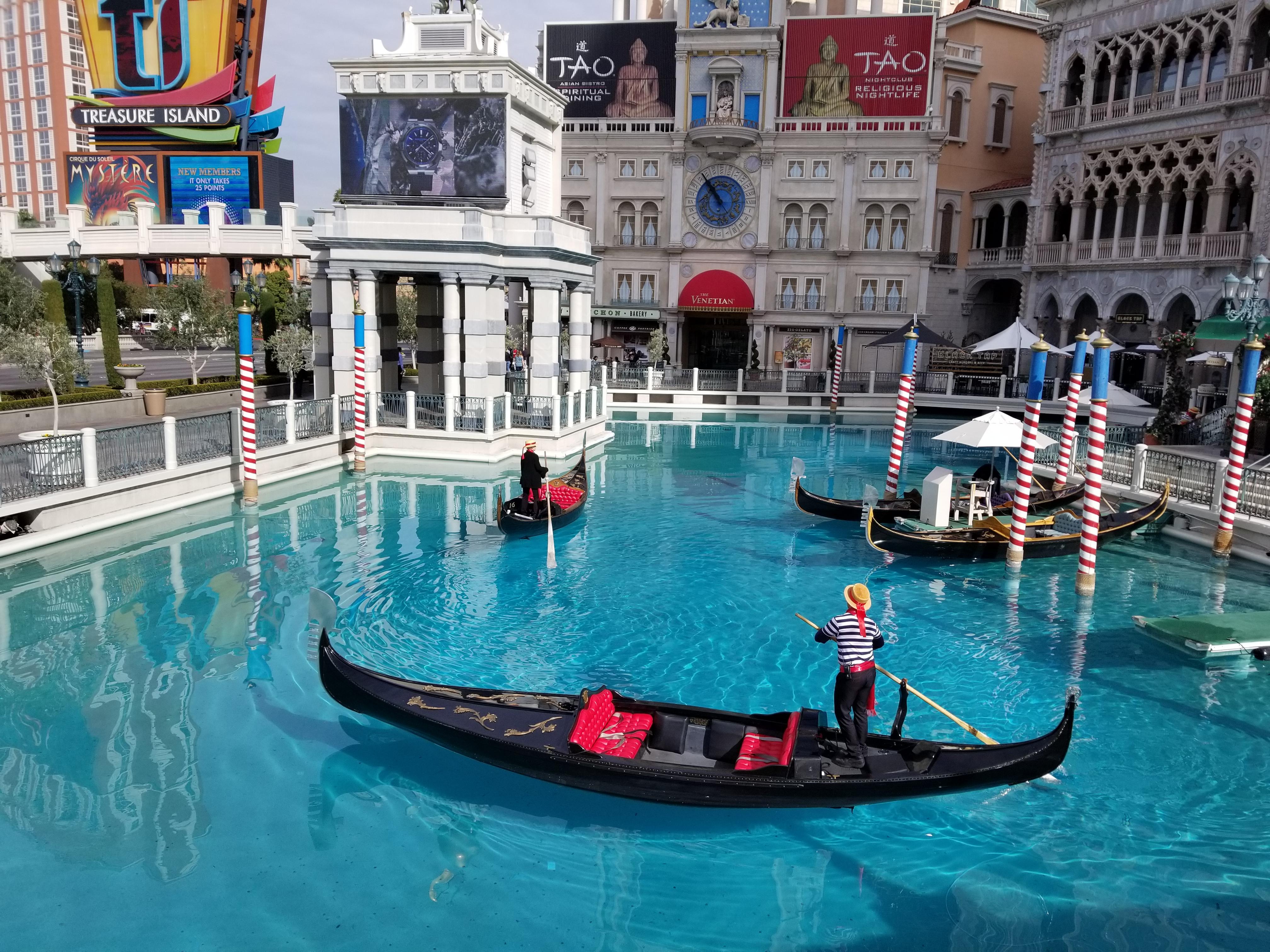 Gondola's - The Venetian